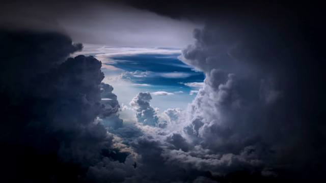 http_cdn.cnn.comcnnnextdamassets180108101422-1-clouds-cnn